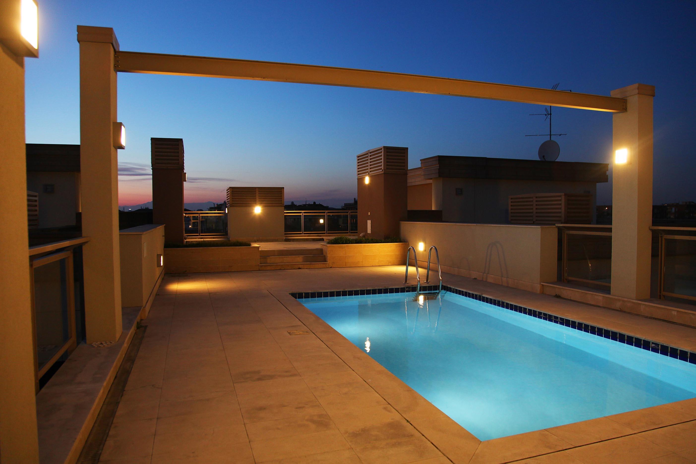 Attico con piscina milano assi partners for Migliore casa del mondo in vendita